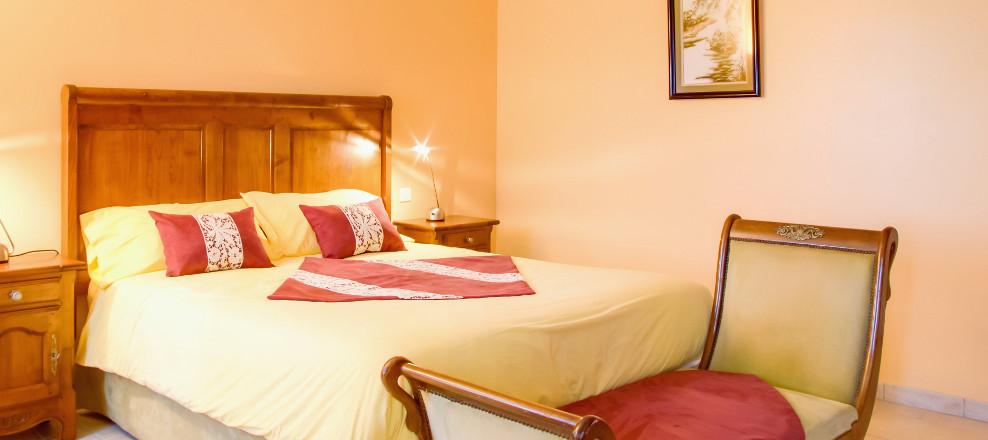 la malle poste le relais de saint preuil demeure de charme avec chambres et suites pour h tes. Black Bedroom Furniture Sets. Home Design Ideas